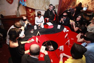 Игра Мафия будет идеальным вариантом проведения вечеринки как в.
